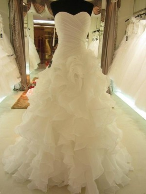 Ball Gown Sweetheart Organza Sleeveless Court Train Wedding Dresses