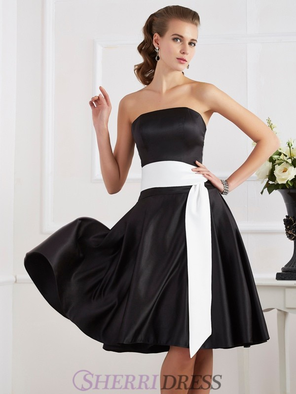 A-Line/Princess Strapless Satin Sleeveless Knee-Length Dresses