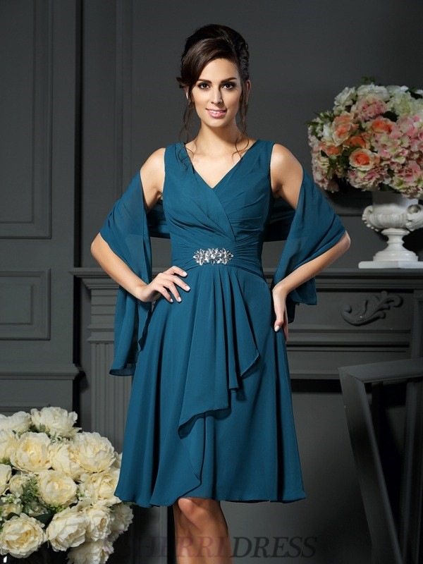 A-Line/Princess V-neck Chiffon Sleeveless Knee-Length Mother of the Bride Dresses