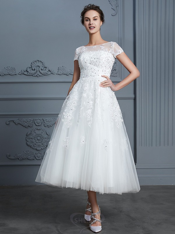 A-Line/Princess Scoop Tulle Short Sleeves Tea-Length Wedding Dresses