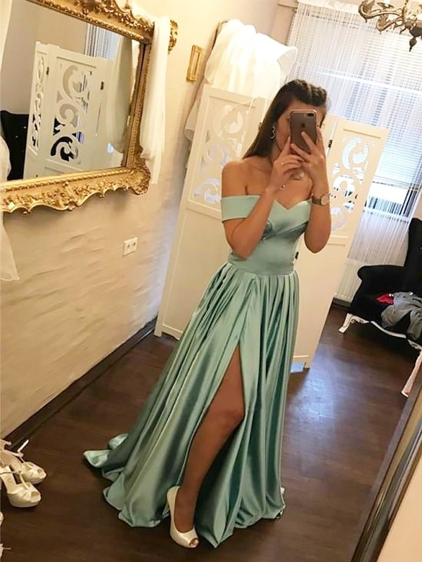 A-Line/Princess Off-the-Shoulder Satin Sleeveless Sweep/Brush Train Dresses