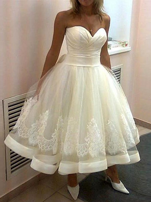 Ball Gown Sweetheart Tulle Sleeveless Tea-Length Wedding Dresses
