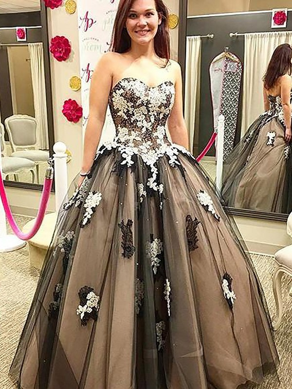 Ball Gown Sweetheart Tulle Sleeveless Floor-Length Dresses