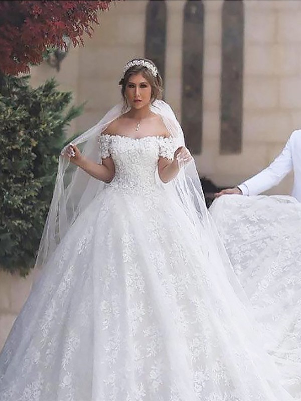 Ball Gown Off-the-Shoulder Tulle Short Sleeves Court Train Wedding Dresses
